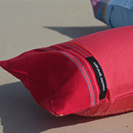photo 0 Coussin de plage Framboise