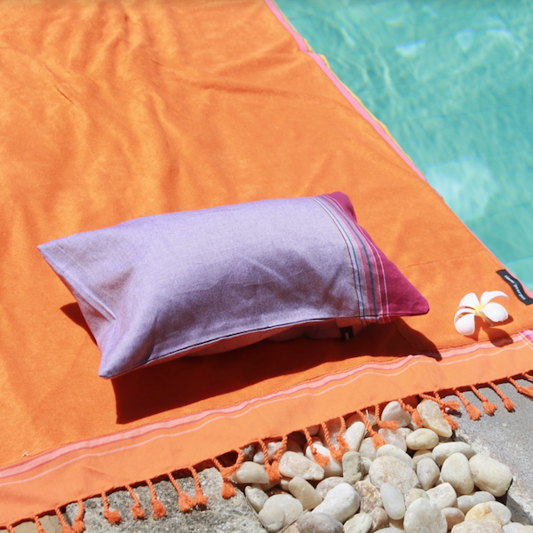 grande photo Beach cushion Kir Cassis
