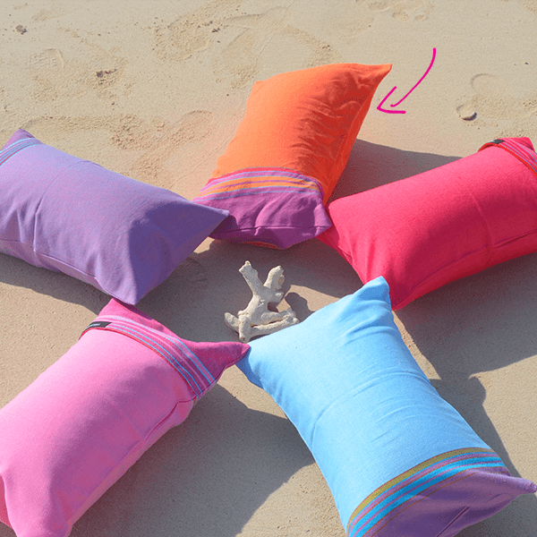 grande photo Beach cushion Mango