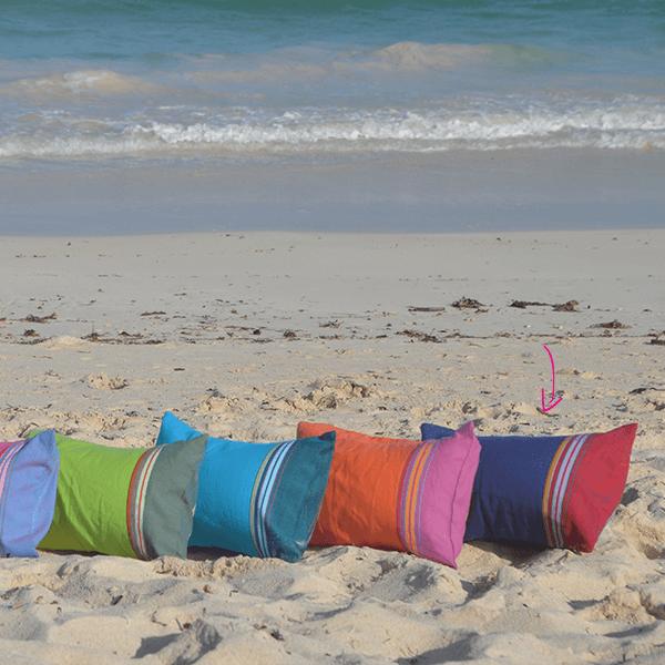 le coussin de plage serena de simone et georges. Black Bedroom Furniture Sets. Home Design Ideas